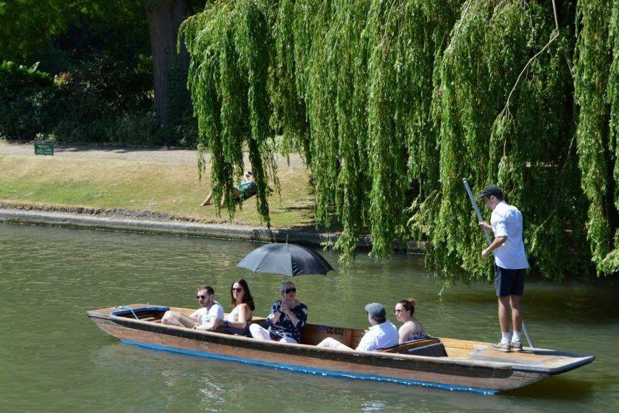 Punting Cambridge, Private Tour Punting, Punting Tickets, Chauffeured Punting, Cambridge, Private Tour