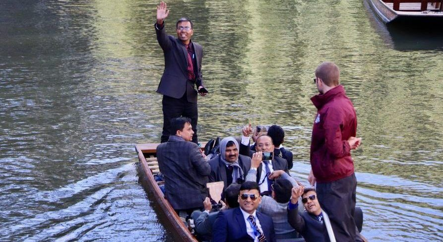 Corporate Event, Corporate Event punting, Corporate Event punting tour, Cambridge Punting, Punting in Cambridge, day out in Cambridge, Tours