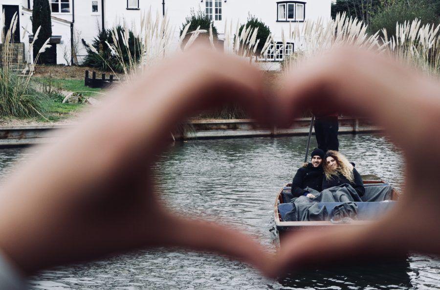 valentines, valentines punting tour, romantic punting, romantic punting tour for two, Cambridge Punting, Punting in Cambridge, day out in Cambridge, Tours