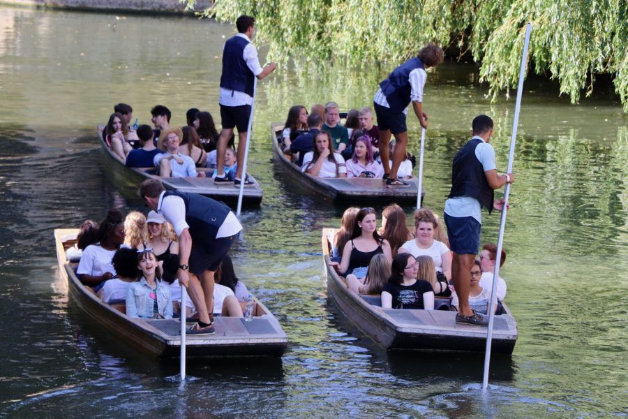 Large groups, Group Punting, Traditional Punting Company, About us, Punting, Punt Tours, Company, Cambridge, Punt Tour Company