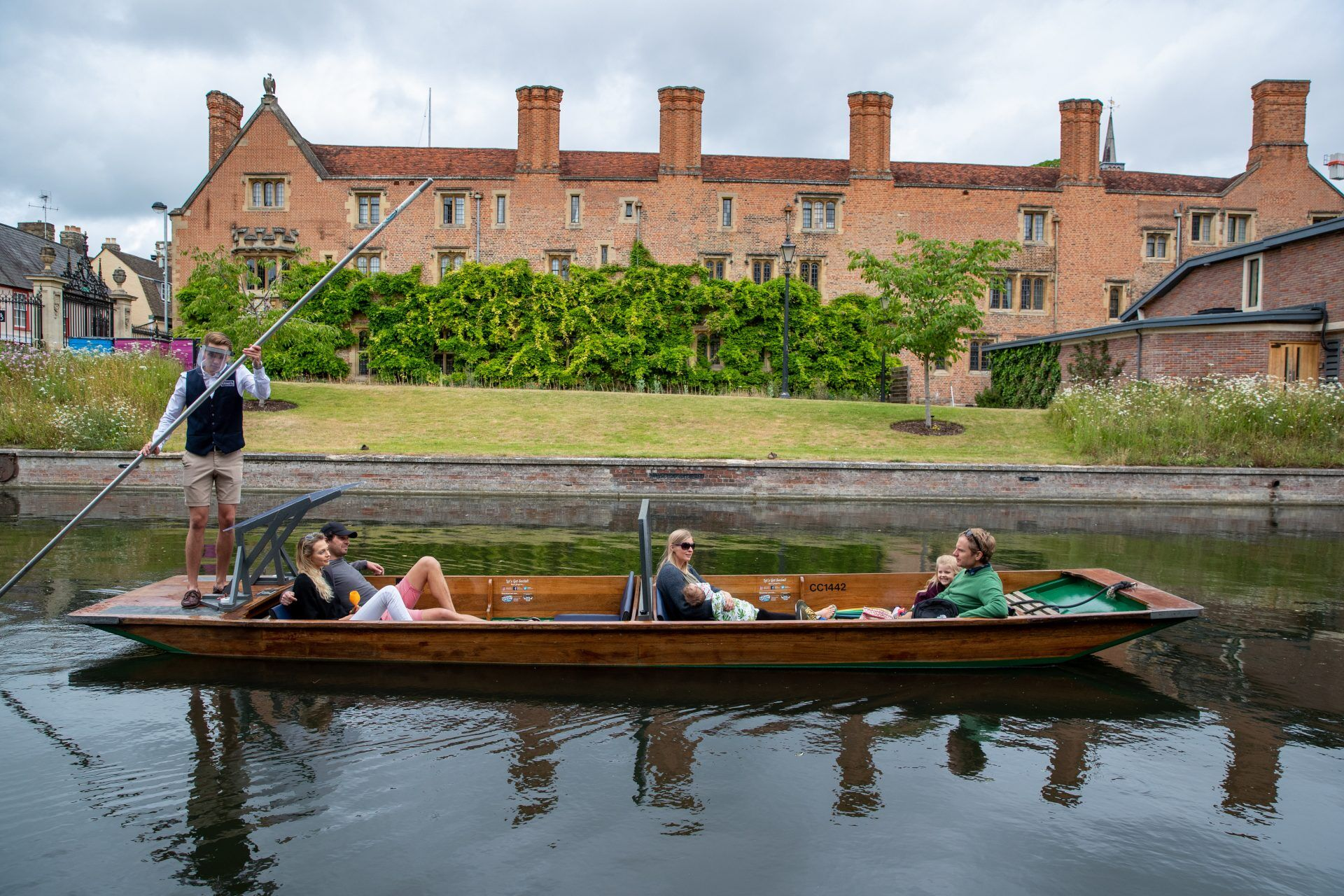 COVID-19, Punting Cambridge COVID-19 Punt Tours, Punting in Cambridge, Punting Cambridge,