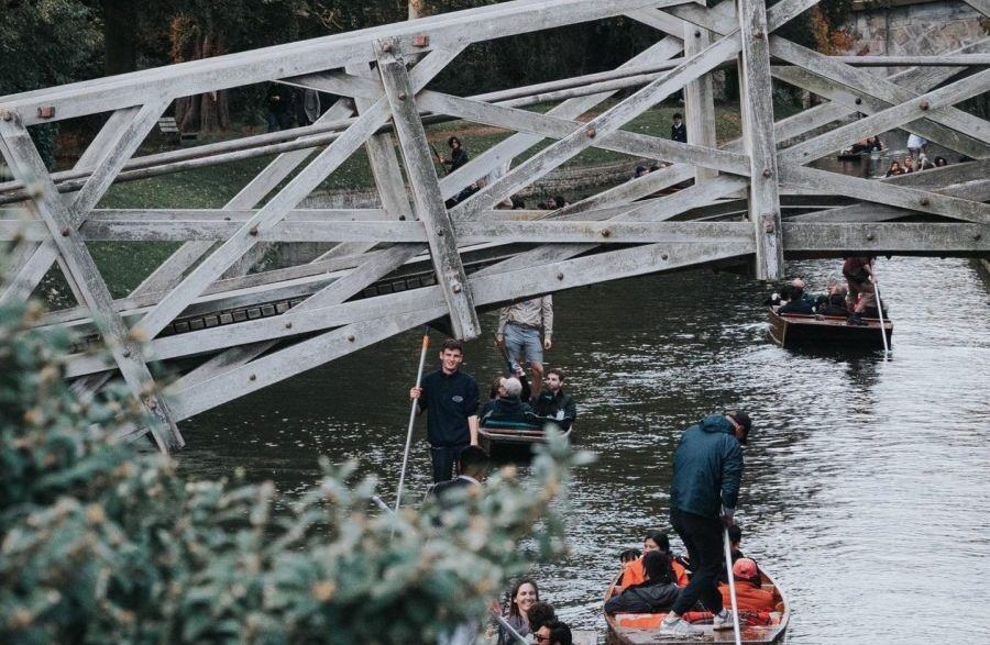 app, punting, punting tour, audio app, bridge of sighs, cambridge, punting in cambridge, traditional punting company