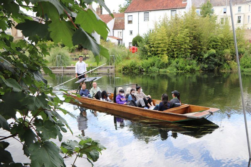 cambridge, staycation, visit cambridge, things to do in cambridge, punting, traditional punting company,