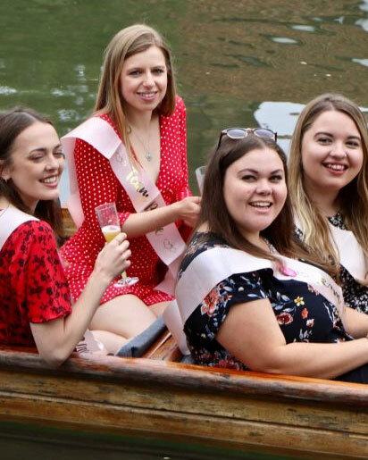 Hen Party Punting, Punting in Cambridge, Unique Hen Party Ideas, Cambridge Hen Do, Punting in Cambridge